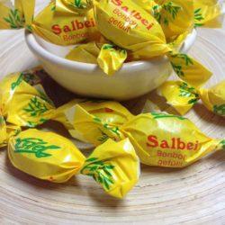 Bonbons-Salbei gewickelt